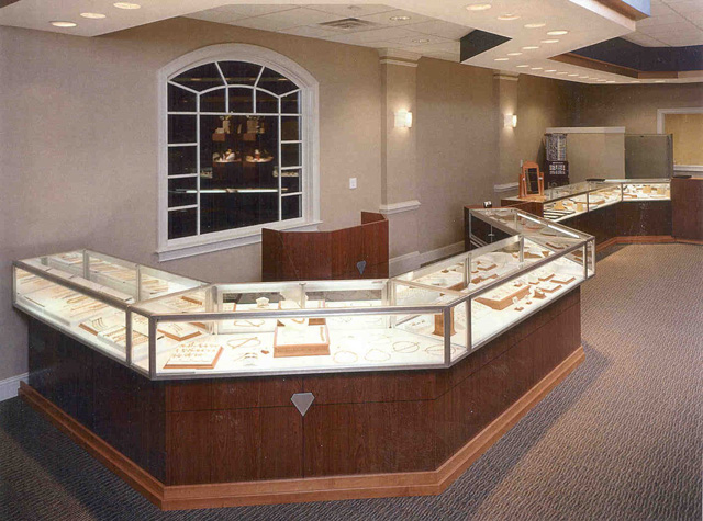 Unique Jewelry Store Displays